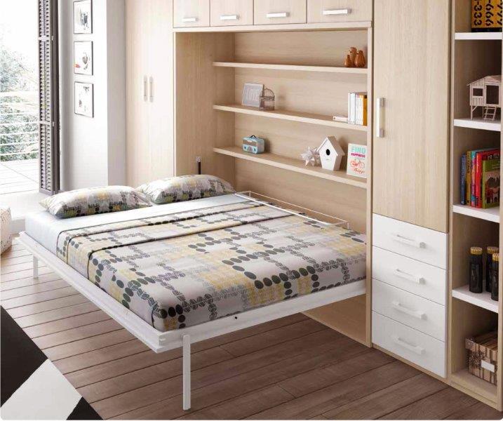 F365-miegamojo-baldai-atlenkiamos-lovos-spintoje