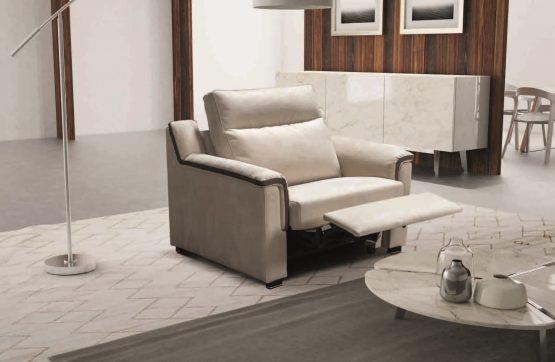 reglaineris-fotelis-Itališki-minkšti-baldai-namams-Monoidėja