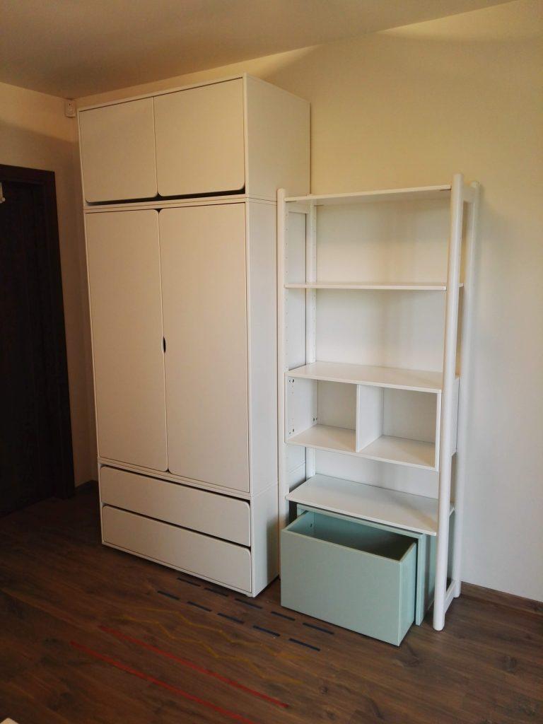 modulinė-stalažų-sistema-namams
