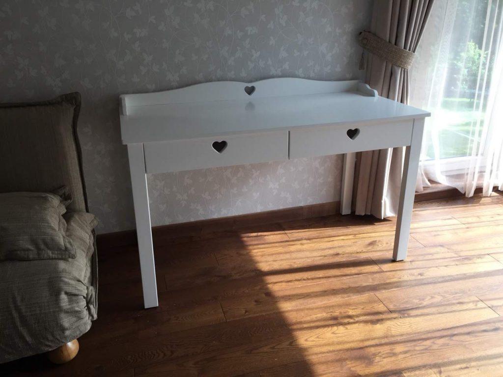 provanso-stiliaus-stalas-rašomasis-stalas-klasikinis
