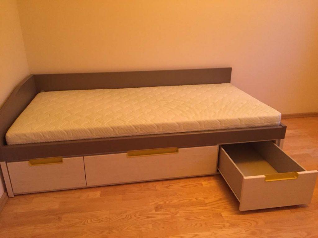 lova-viengulė-suaugusiems