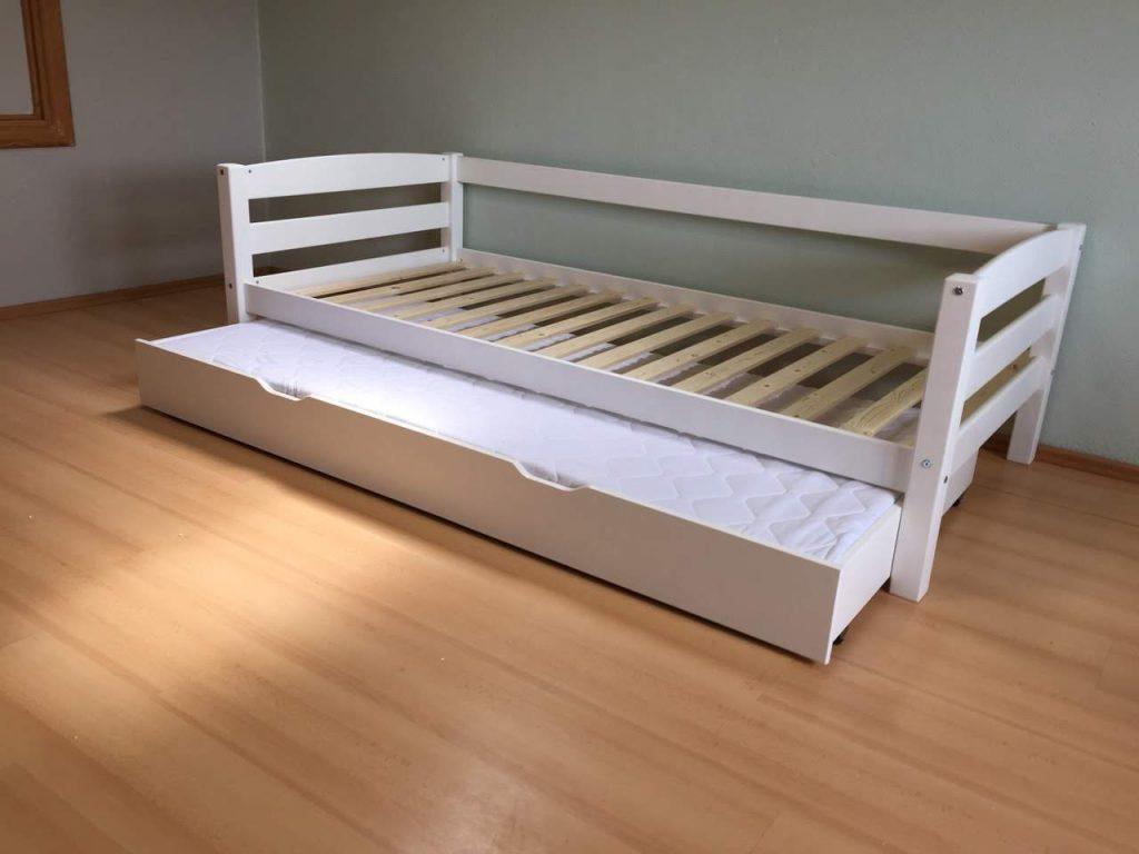 lova-su-lova-po-lova-vaikui-vaiko-vaikams-monoidėja