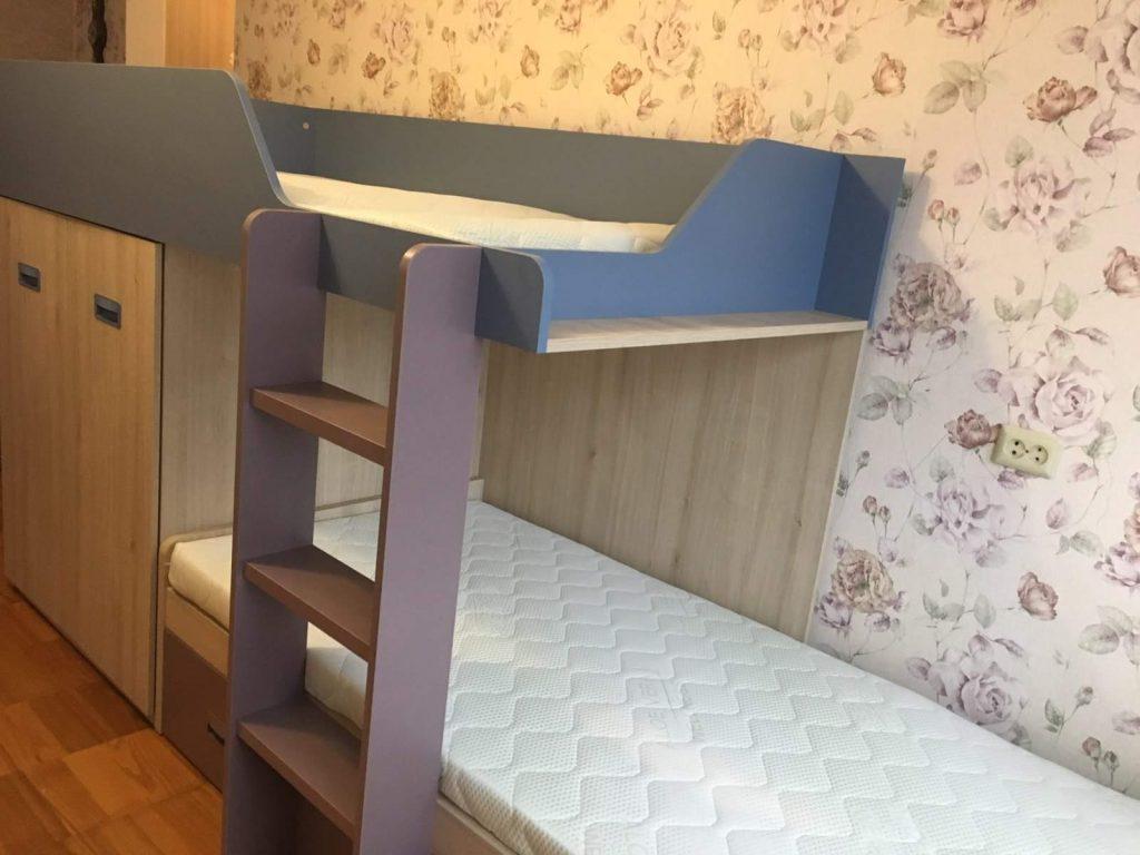 monoidėja-dviaukštės-lovos-su0komoda