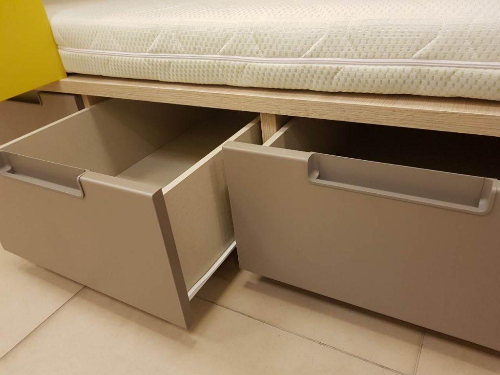 stalčiai-po-lova-monoidėja