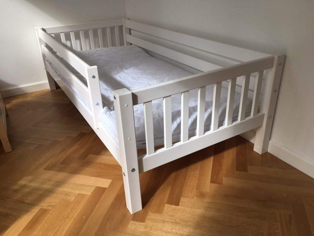 tradicinė-klasikinė-vaiko-lova