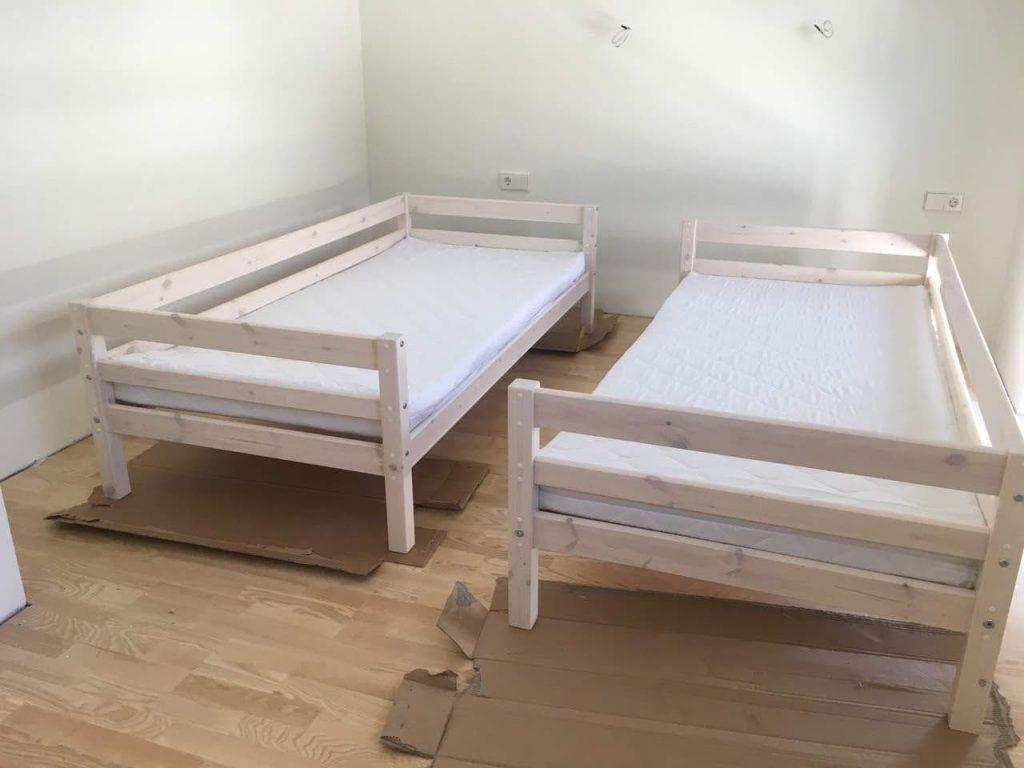 atskiros-lovos-dviems-kontraktiniai-baldai
