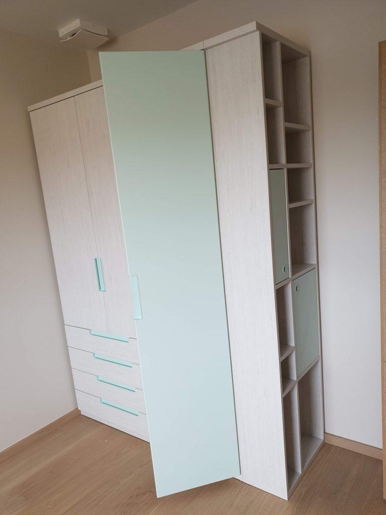 išskirtinė-spinta-baldai
