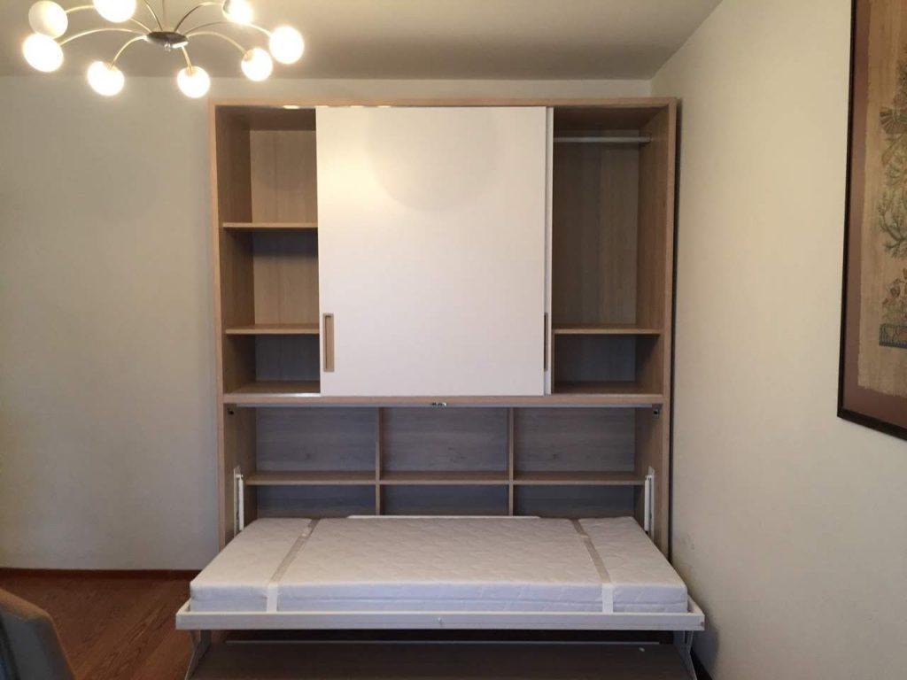 prabangi-lova-spintoje-baldai-monoidėja