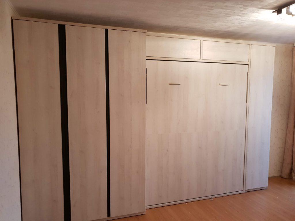 dvigulė-sieninė-lova-spintoje-lovos-monoidėja