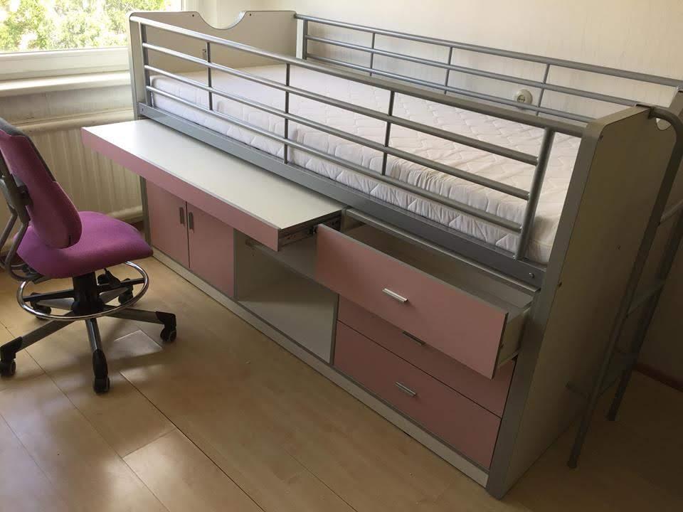 transformuojama-lova-baldas-transformeris-vaikui