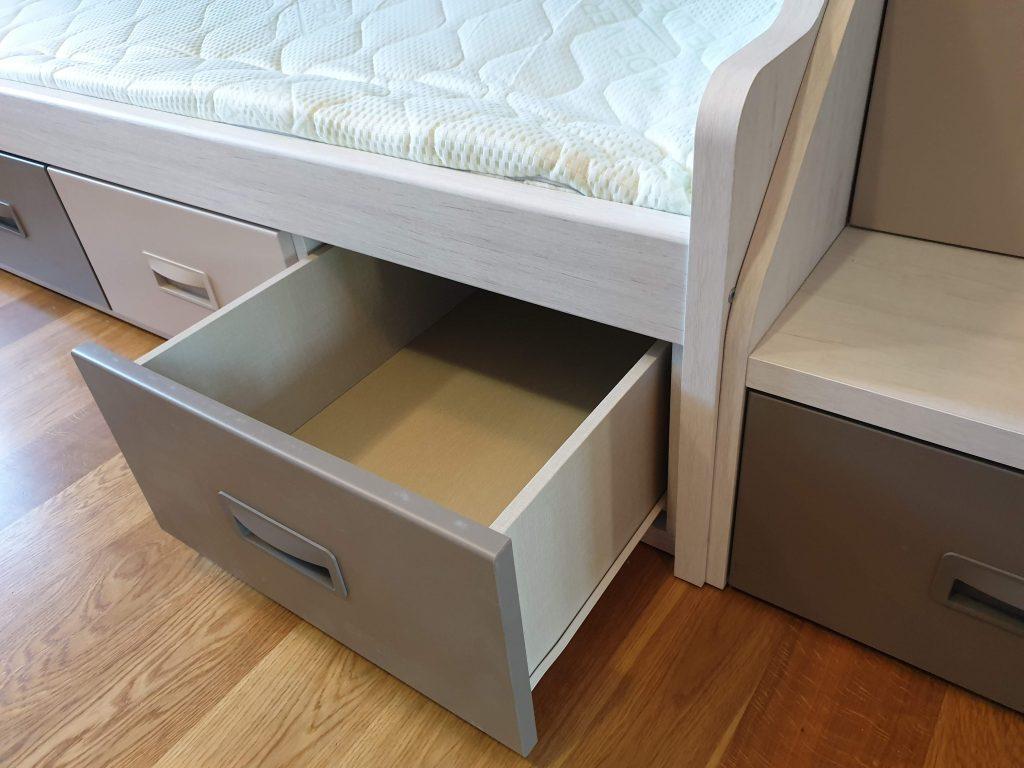 stalčius-po-lova