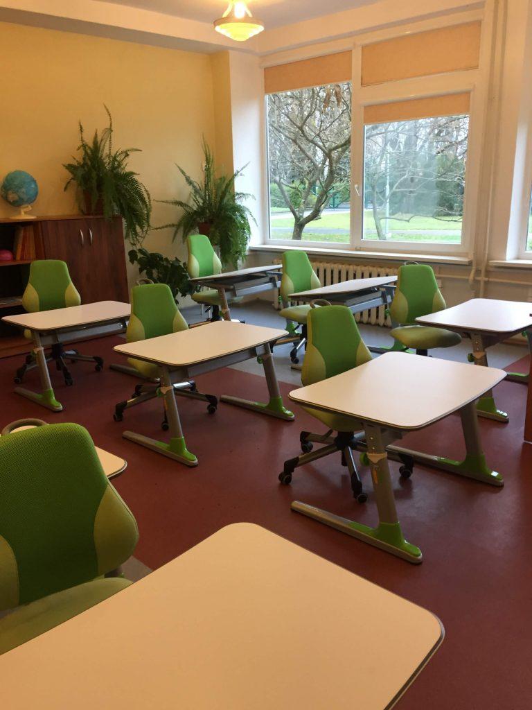 ergonominiai-auganys-baldai-mokykloms