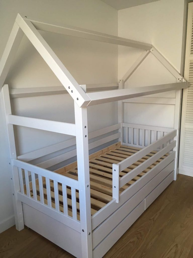 lova-namelis-monoidėja-baldai-namams