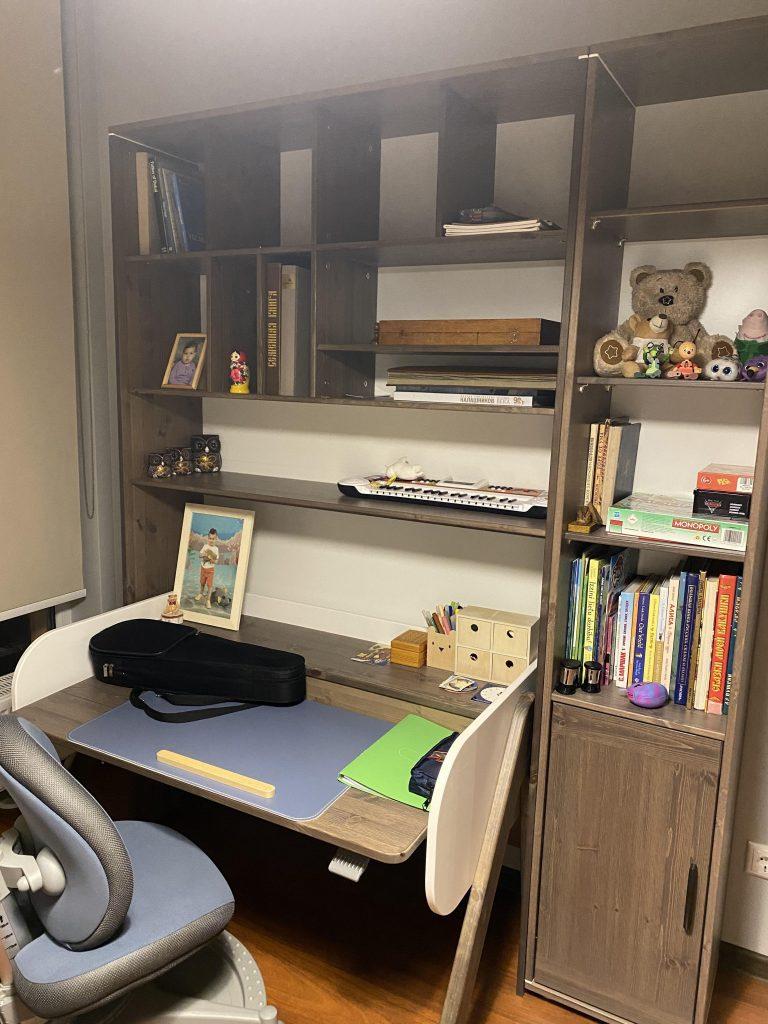 rašomasis-stalas-vaikui-ergonominis-stalas