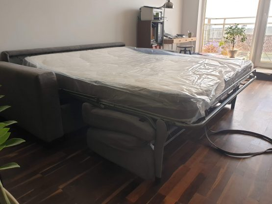 sofa-lova-cubo-pastoviam-miegui