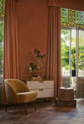 veliūriniai-foteliai-moderniam-interjerui
