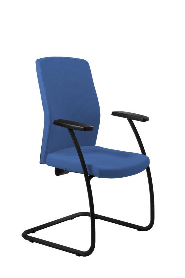 kliento-kėdė-patogi-ergonominė-lankytojo-kėdė-monoidėja-baldai-verslui-namams