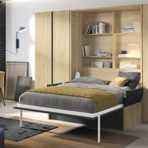atlenkiama-lova-spintoje-miegamojo-kambaryje