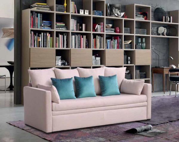 sofa-lova-dviems-jaunuoliams